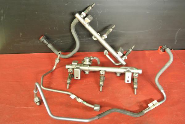 PORSCHE 911 997 TURBO FACTORY FUEL RAIL W/ OEM FUEL INJECTORS BOSCH 99760513201