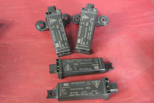 PORSCHE 911 997 987 BOXSTER TIRE PRESSURE TPMS MONITOR SENSOR 99760610100 X4 SET