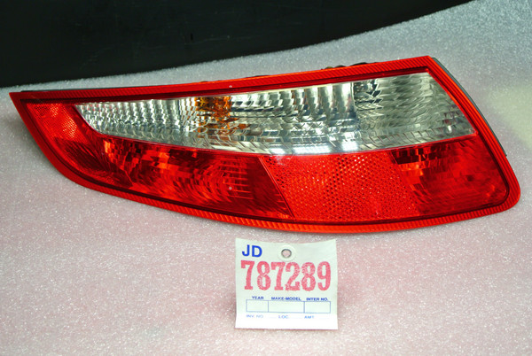 PORSCHE 911 997 DRIVER SIDE TAIL LIGHT WITH HARNESS