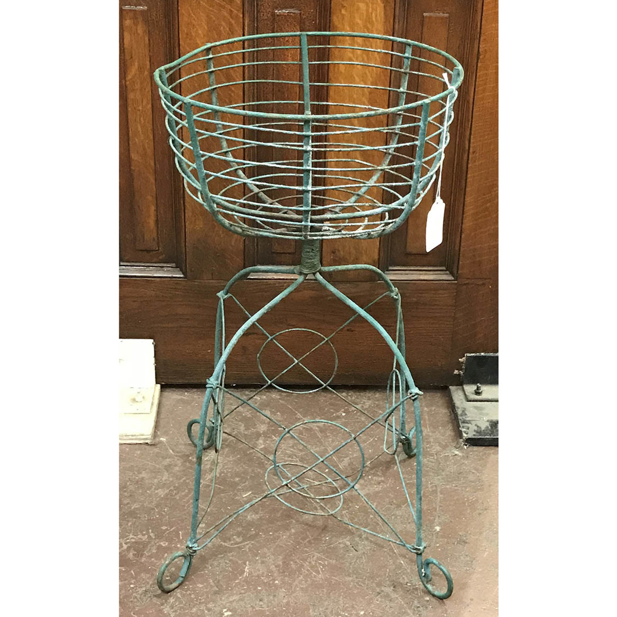 A17086 - Wire Flower Basket