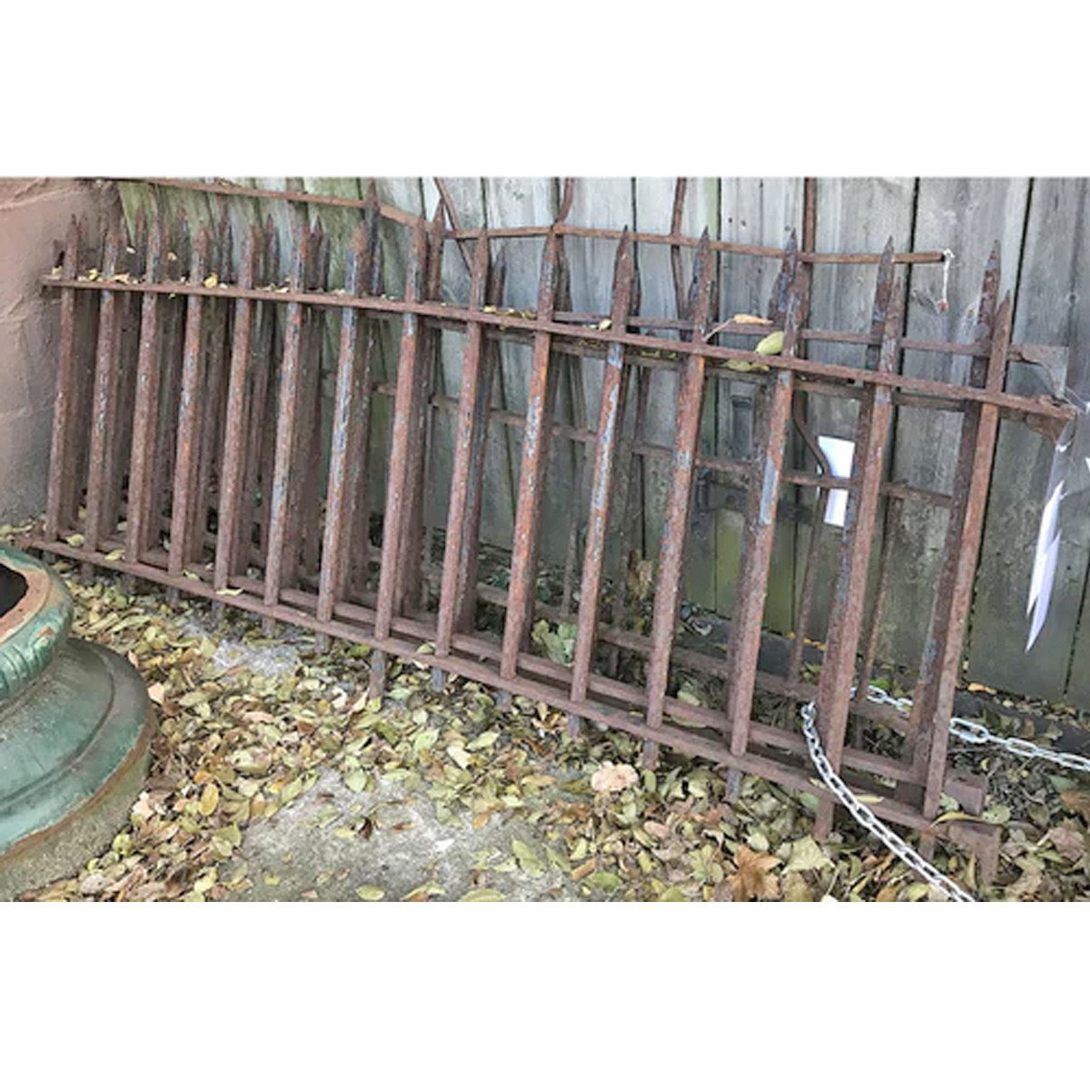 S17075 - Antique wrought Iron Fencing