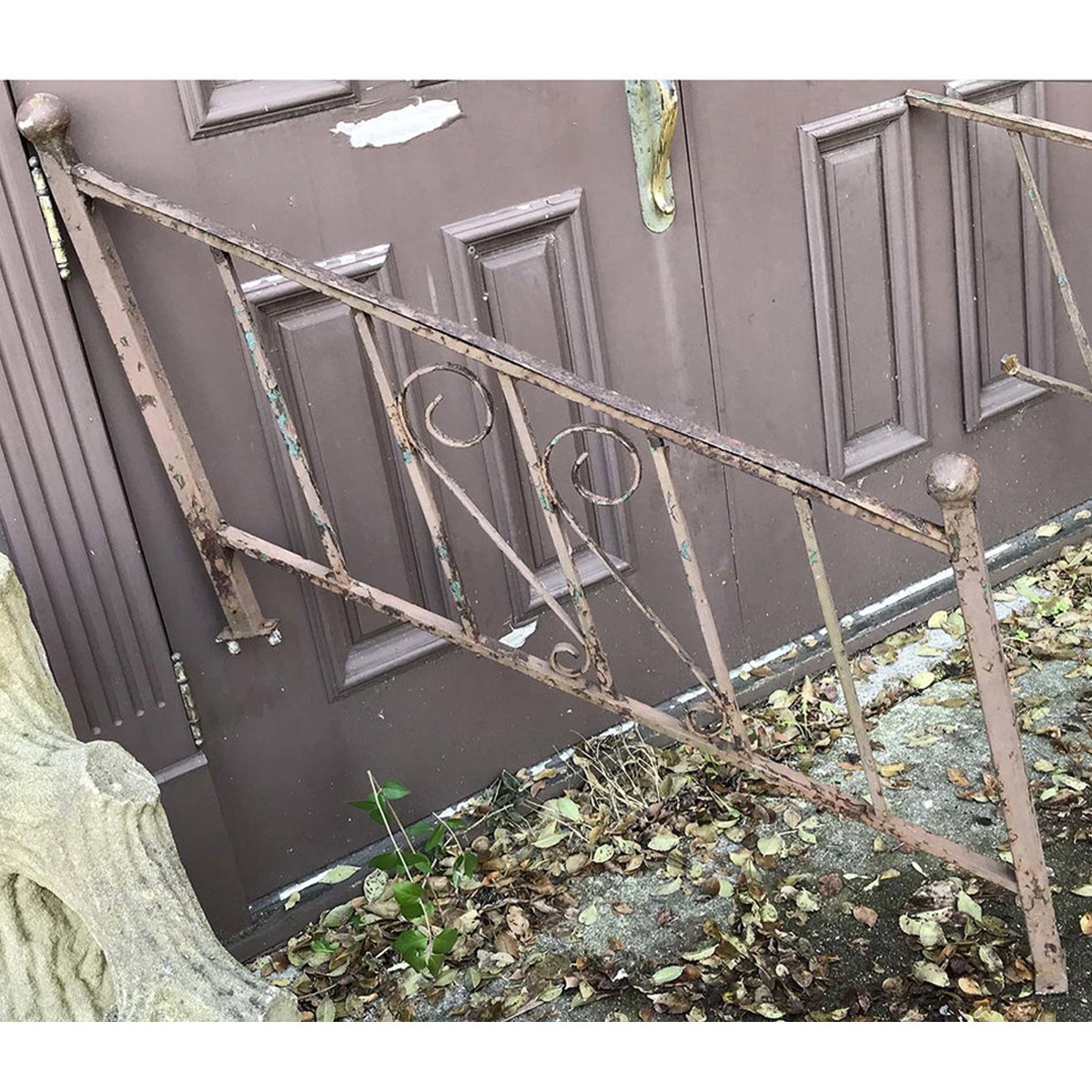 S17083 - Vintage Wrought Iron Stair Rail