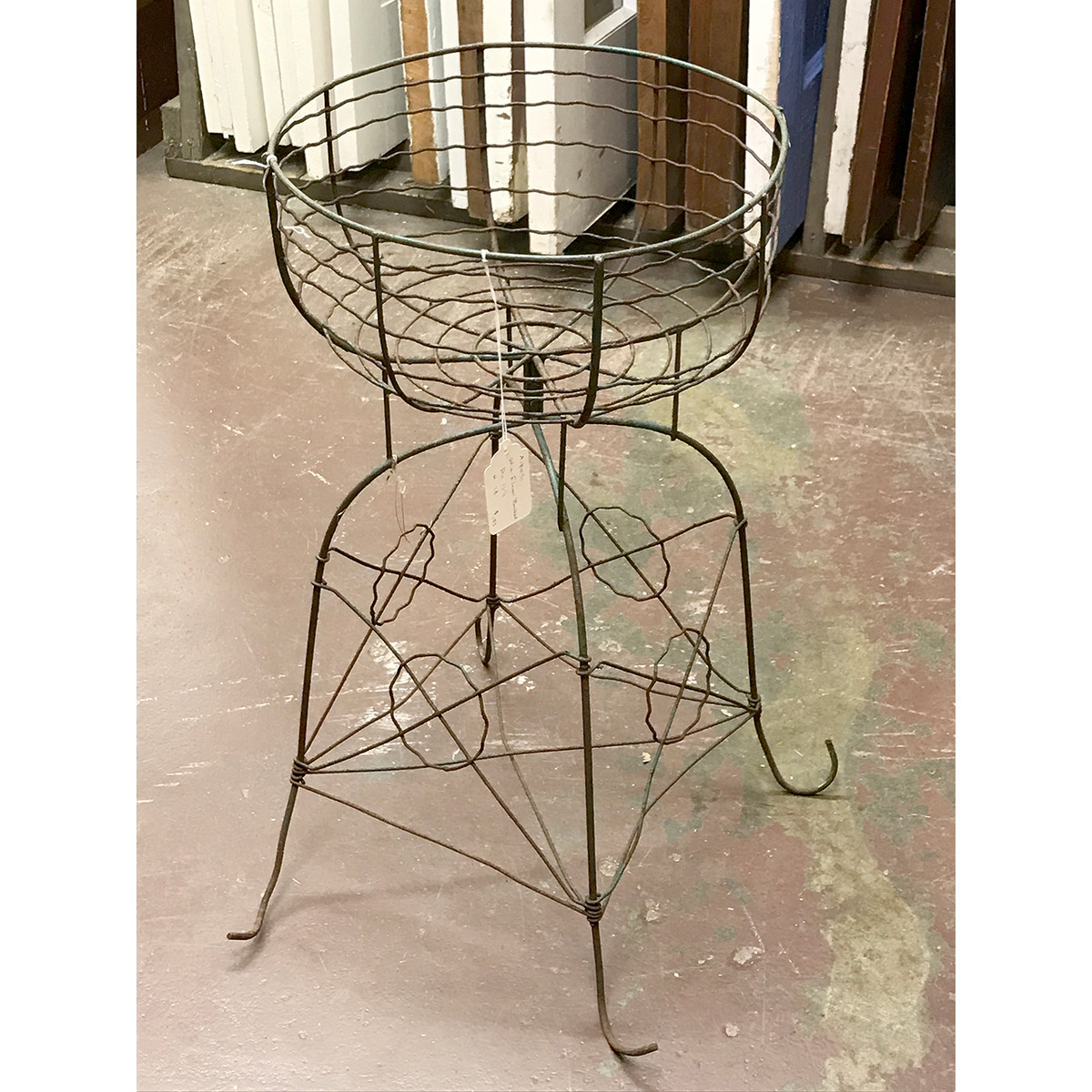 A18091 - Antique Wire Flower Basket