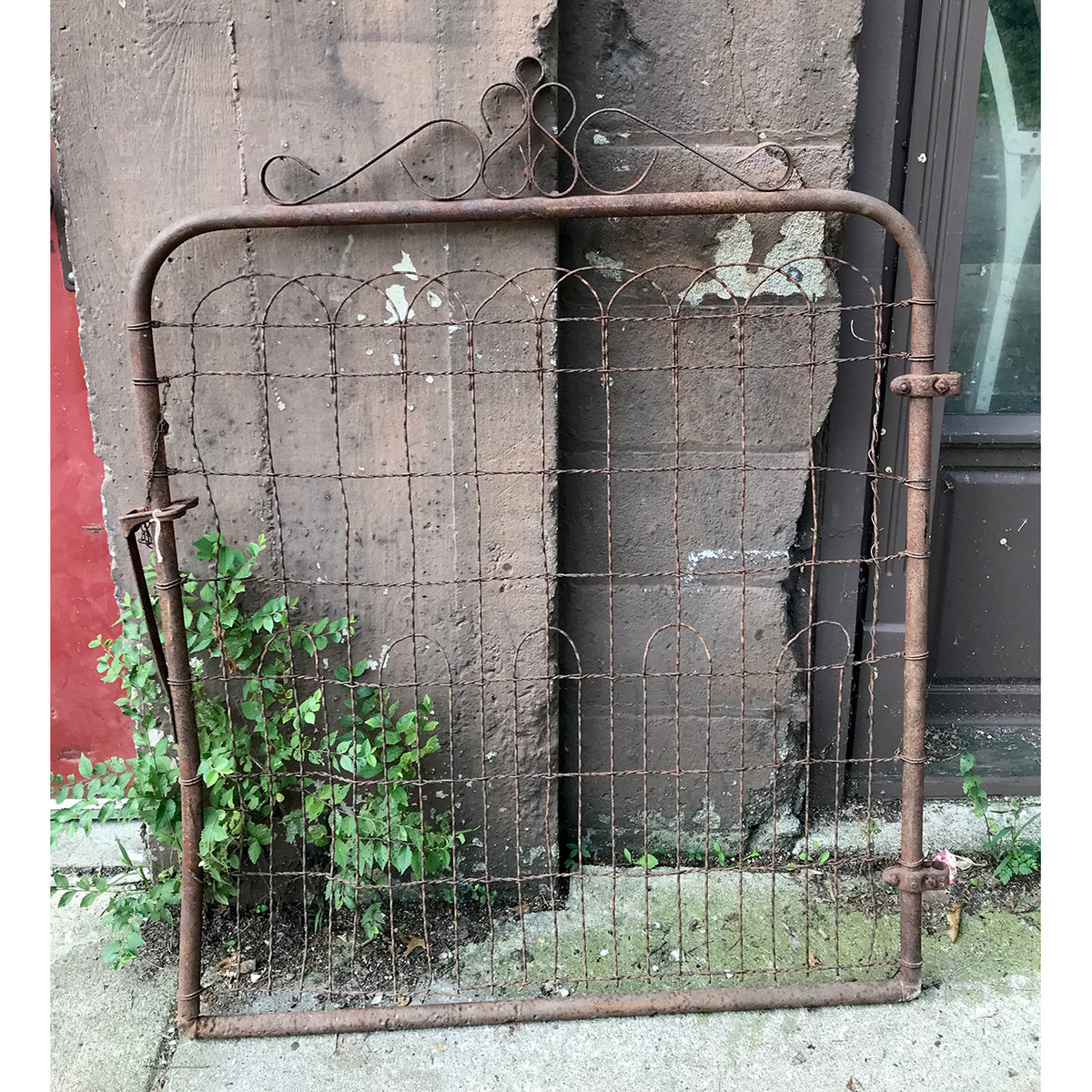 S18053 - Antique Wire Gate