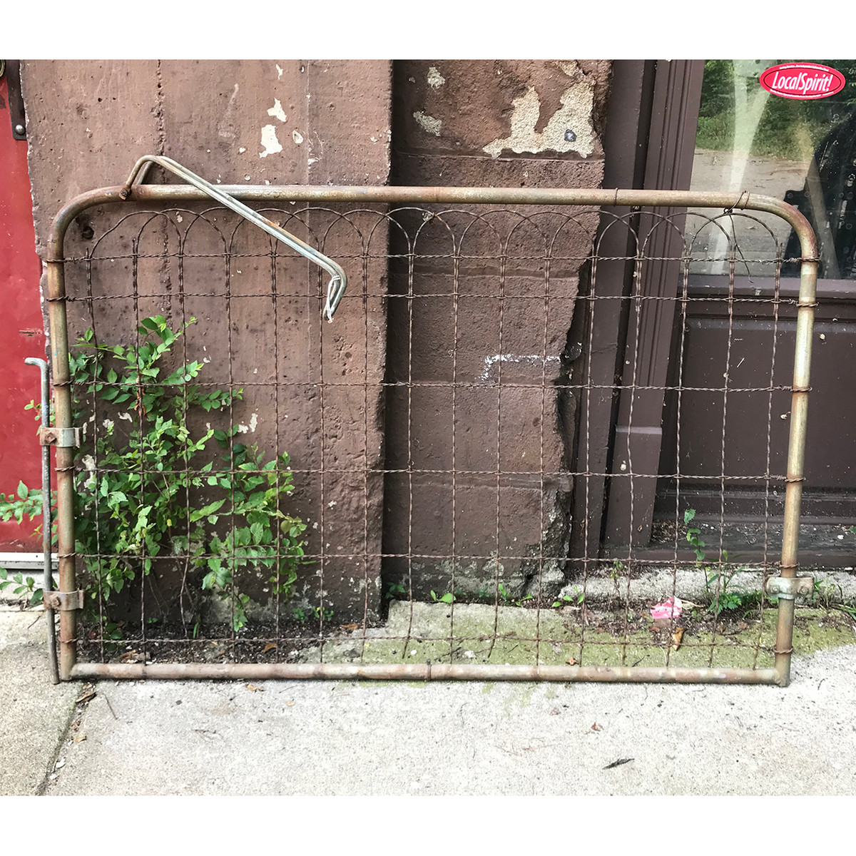 S18059 - Antique Wire Gate