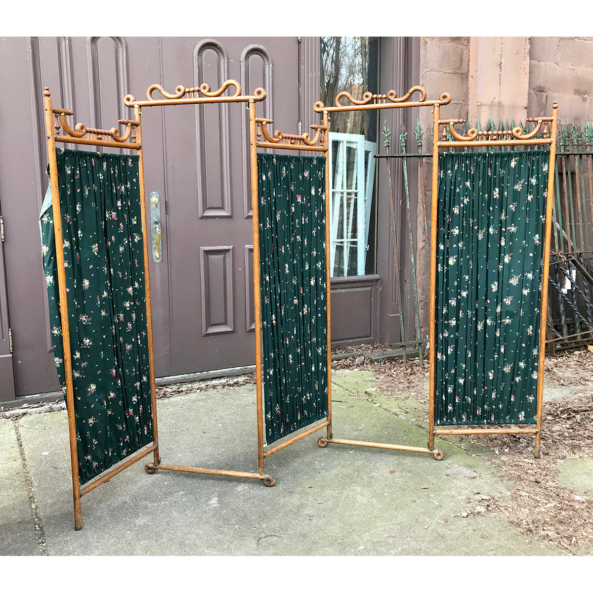 "F19016 - Antique Late Victorian ""Stick and Ball"" Oak Folding Dressing Screen"