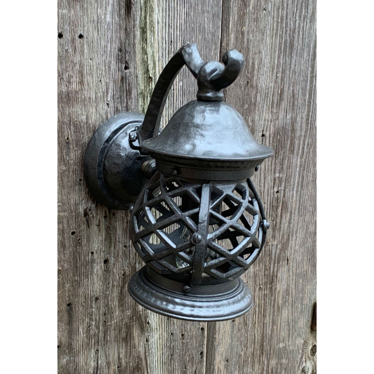 L20008 - Antique Tudor Revival Style Exterior Sconce