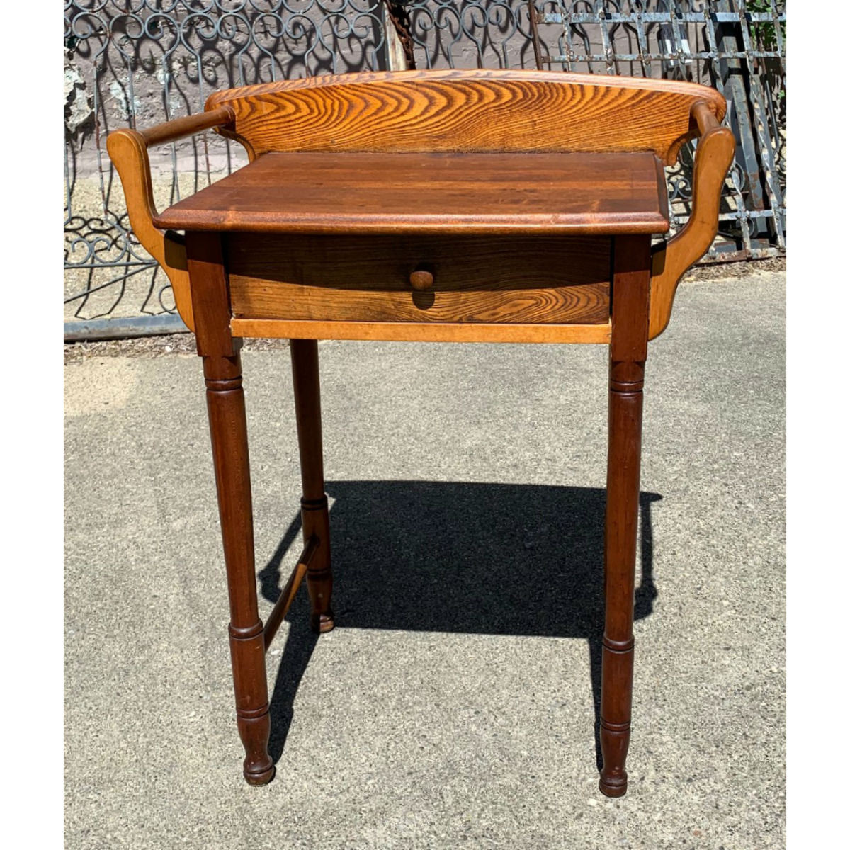F20033 - Antique Late Victorian Washstand
