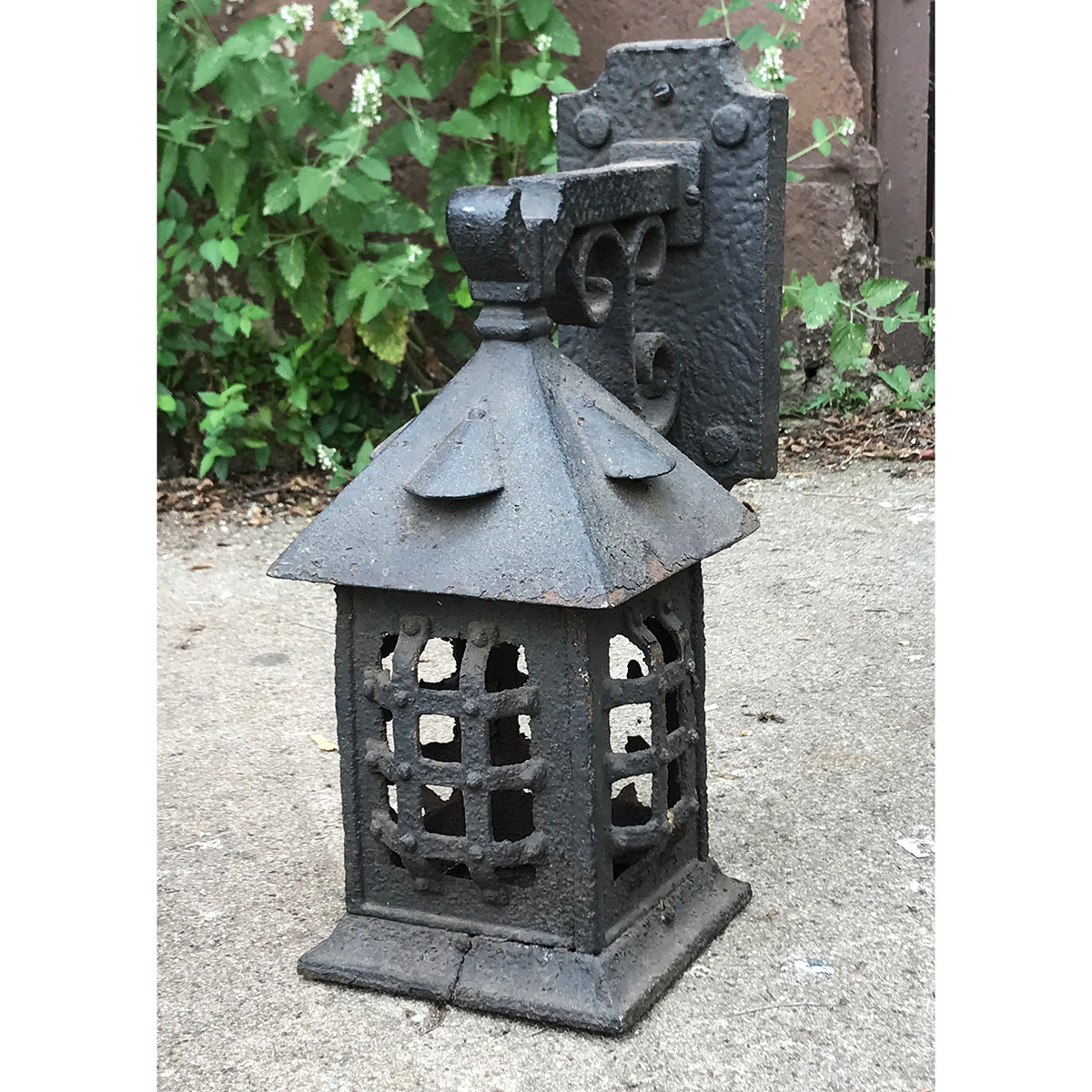 L20048 - Antique Cast Iron Exterior Sconce - Currently Unrestored