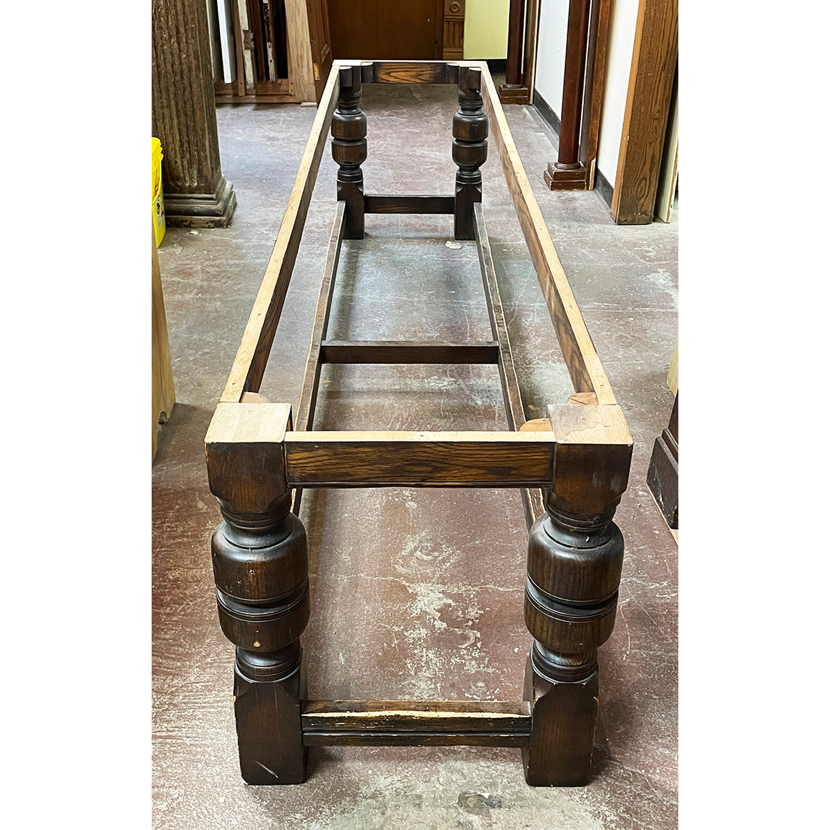 F21089 - Antique Table Base