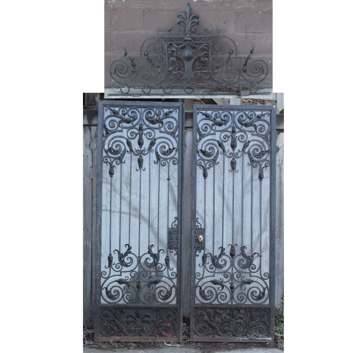 D15020 - Pair of Antique Wrought Iron Doors 60