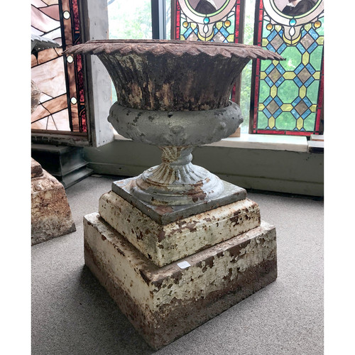 A18099 - Antique Late Victorian Cast Iron Planter