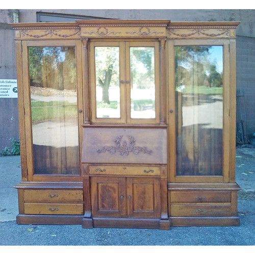 F19068 - Massive Oak Three Section Secretary Bookcase