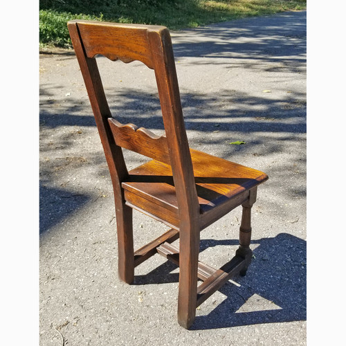 F20069 - Vintage Oak Tudor Revival Youth Chair