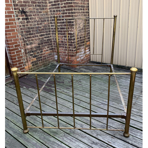 F20100 - Antique Brass Bed