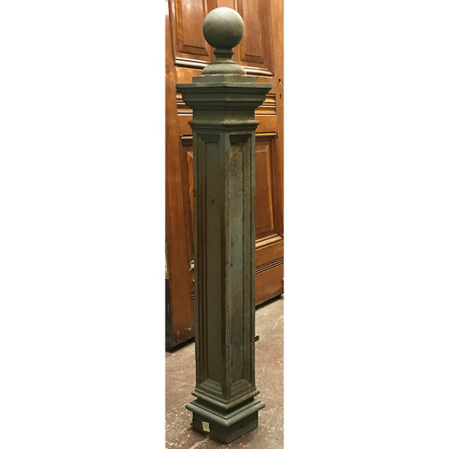 S20011 - Antique Neoclassical Cast Iron Fence Post