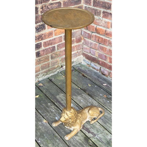 F20135 - Antique Revival Period Iron Plant Stand with Lion Base