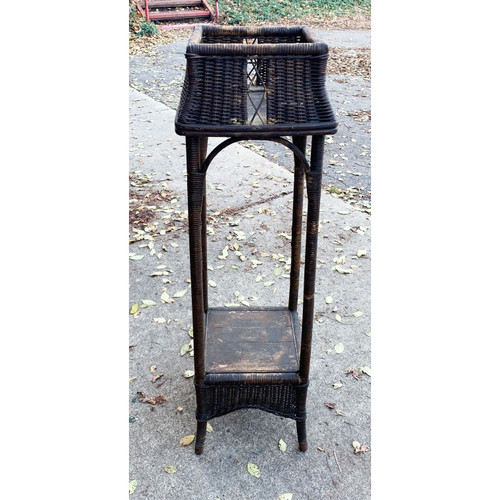 F20145 - Antique Arts and Crafts Wicker Plant Stand