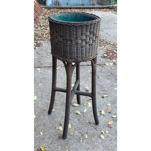 F20146 - Antique Revival Period Wicker Plant Stand
