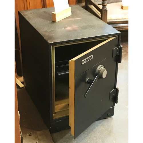 A21015 - Vintage Meilink Safe with Combo