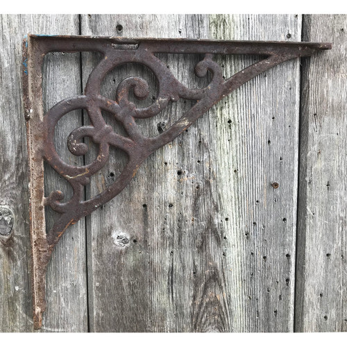 S21004 - Antique Cast Iron Bracket