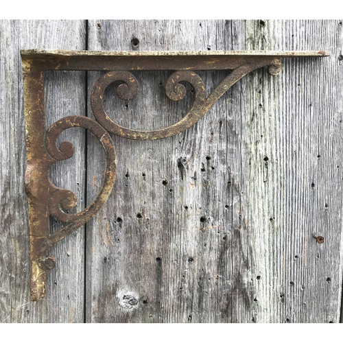 S21006 -  Antique Cast Iron Bracket