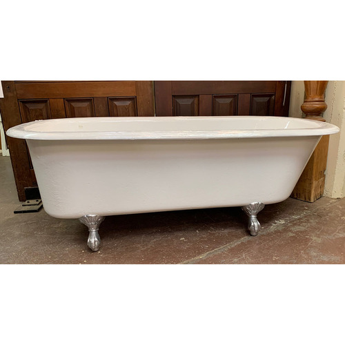 P21002 - Antique Reglazed Clawfoot Tub