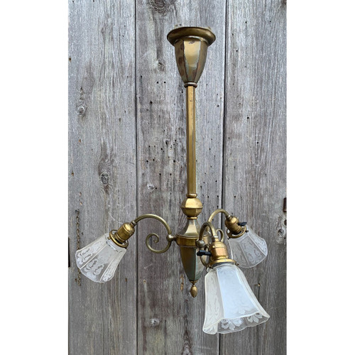 L21031 - Antique Colonial Revival Style Three Arm Fixture