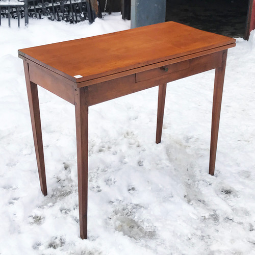 F21028 - Antique Cherry Hepplewhite Gateleg Table with Drawer