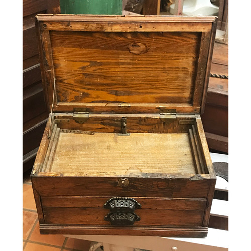 A21038 - Antique Turn-of-the-Century Oak Tool Chest with Drawers