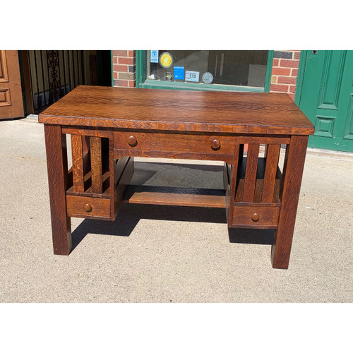 F21053 - Antique Quartersawn Oak Arts & Crafts Library Table