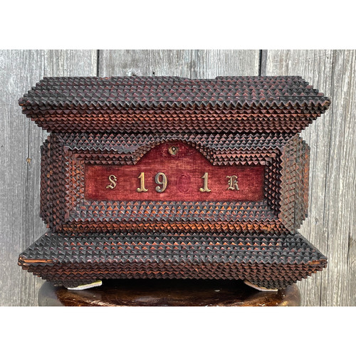 A21061 - Antique Tramp Art Box