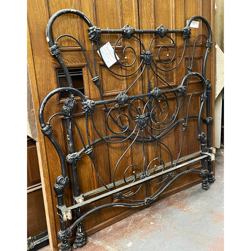 F21102 - Antique Wrought and Cast Iron Bed