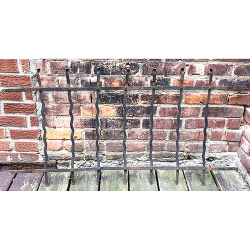 S21028 - Antique Iron Fence Section