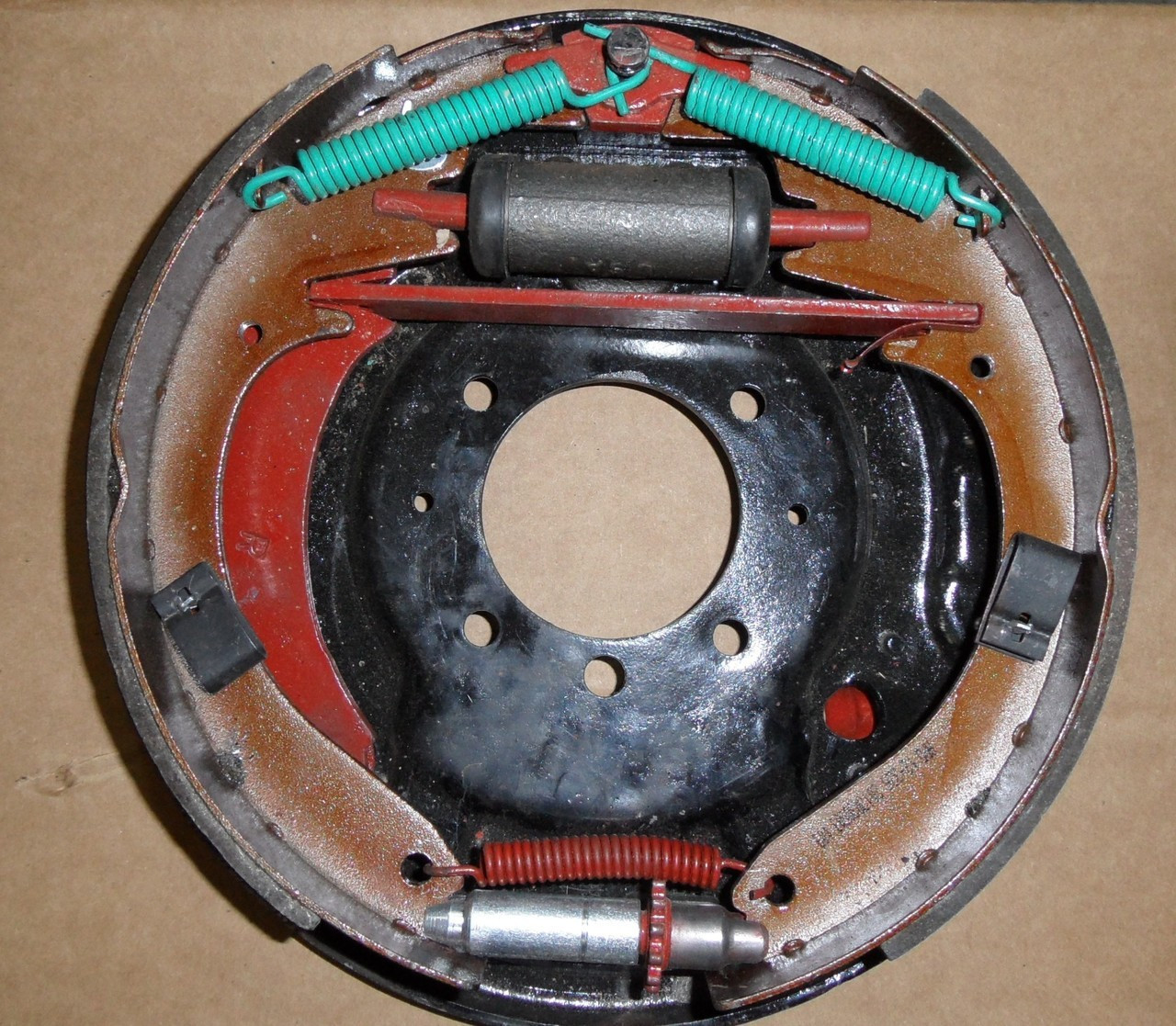 "Drum brake kit, Rear 10"" Bendix without drums"
