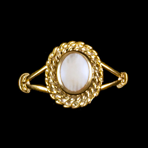 """Oval Shaped Mammoth with Rope Border 14K GoldRing 