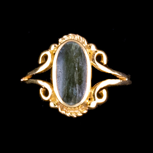"""Victorian Oval Shaped Alaskan Jade 14K Gold Ring 