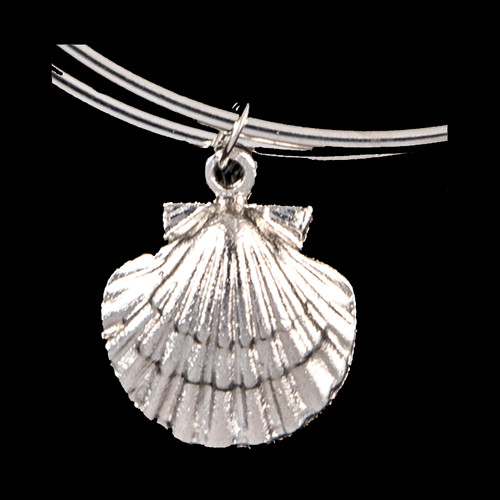 NC 07-106-S Silver Scallop Shell Charm Adjustable Wire Bracelet | F&F Inc.