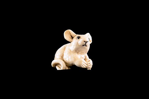 Hand Carved Eco Ivory Mouse Statue | F&F Inc.