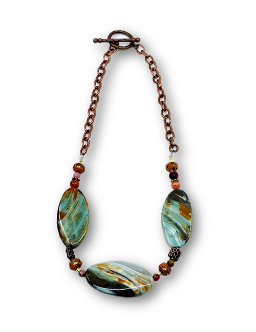 Graceful Three Stone Necklace