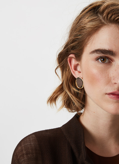 Gold Short Earrings With Wooden Shape
