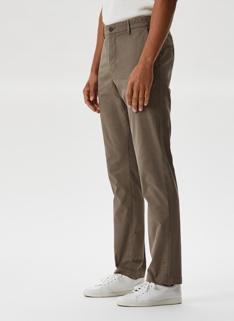 STONE GARMENT-DYED ELASTIC CHINO TROUSERS