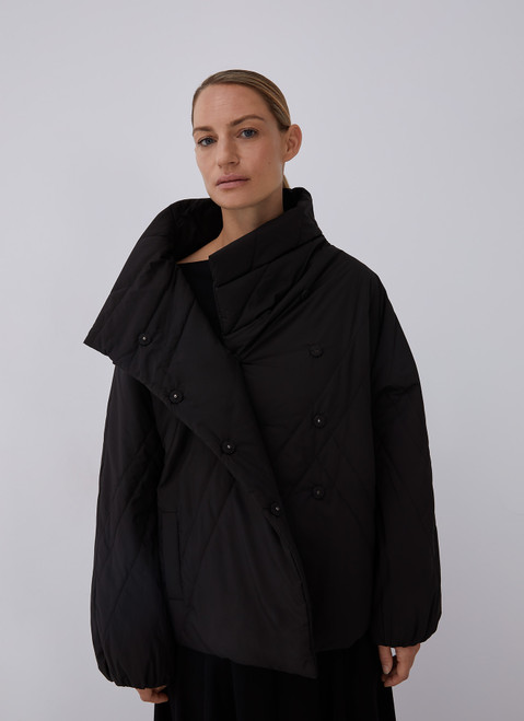 BLACK PADDED JACKET WITH SIDE CLOSURE