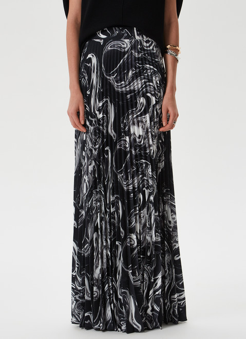 Black/White Long Pleated Skirt With Print