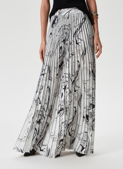 Black And White Long Pleated Skirt With Print