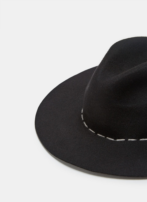 Black Wool Hat With Contrasting Stitching