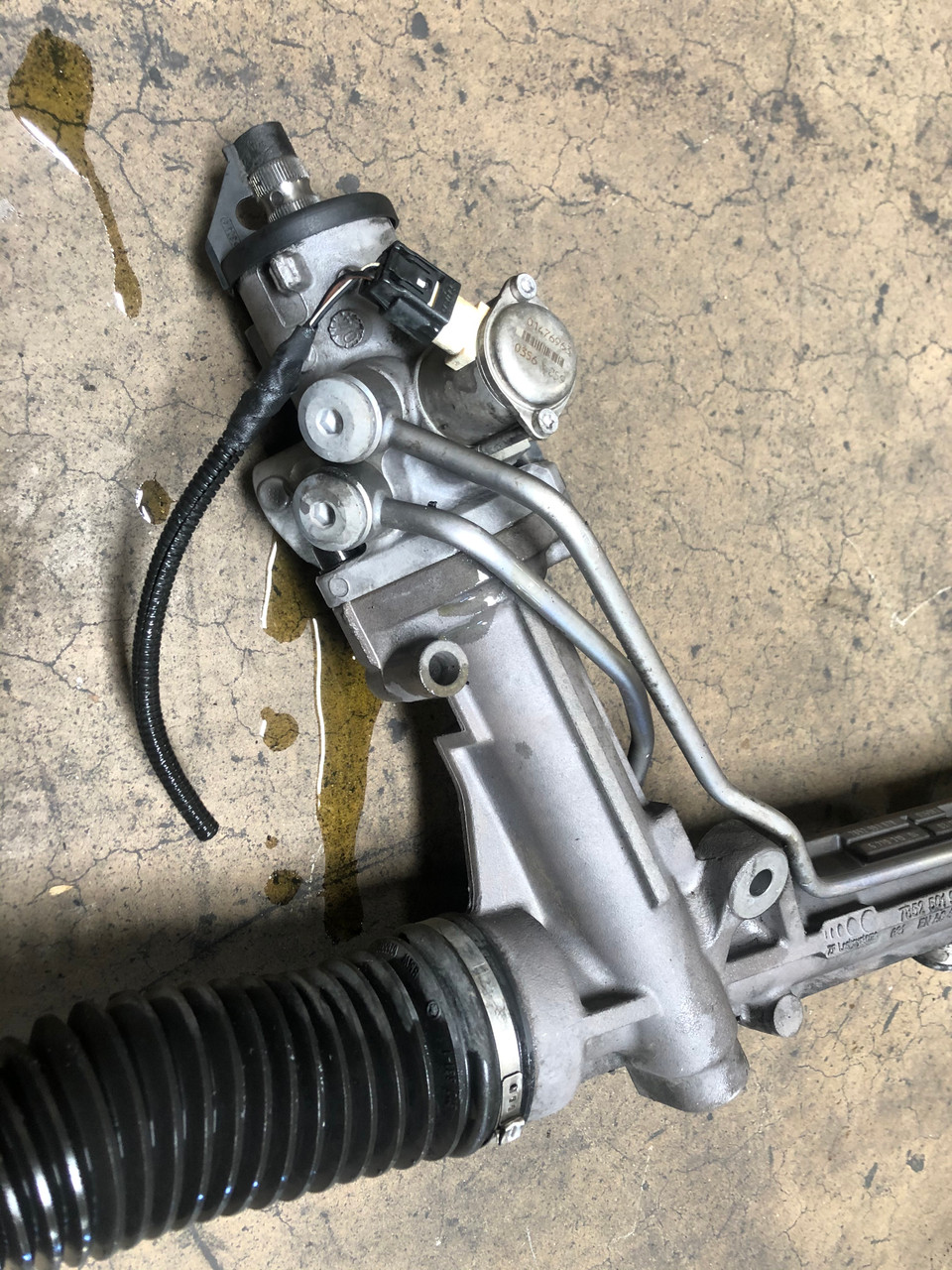 06 BMW E60 E61 POWER STEERING RACK AND PINION ACTIVE STEERING 6777494