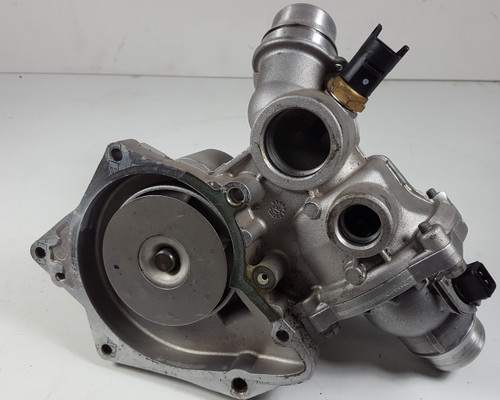 99 BMW E38 740 E39 540 E53 X5 4.4 WATER PUMP OEM