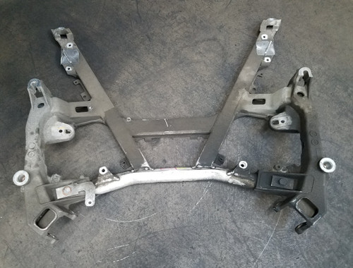 BMW E39 530 528 525 FRONT AXLE SUPPORT SUB FRAME 6755072