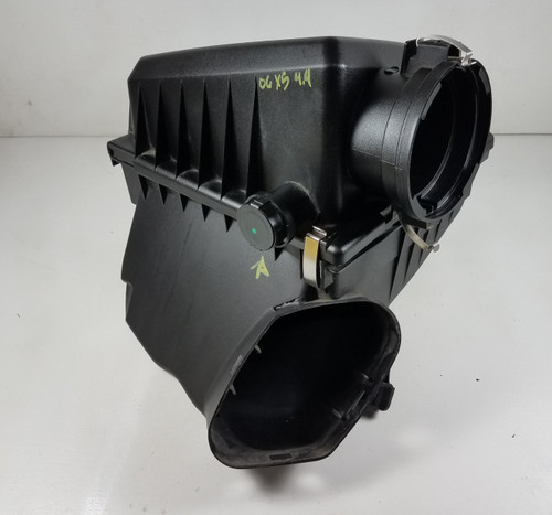 04-06 BMW E53 X5 4.4 AIR INTAKE FILTER BOX ASSEMBLY 7526411